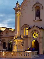 Kapuzinerkirche und Mariensäule in Bratislava, Bratislavsky kraj, Slowakei, Europa<br /> Capuchin's church and Marian column, Bratislava, Bratislavsky kraj, Slovakia, Europe