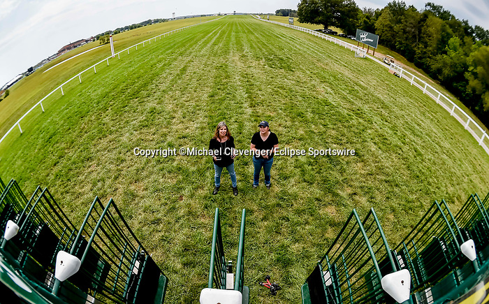 November 8, 2021: Scenes from the Eclipse Sportswire Photo Workshop at Kentucky Downs in Franklin, Kentucky, photo by Michael Clevenger/Eclipse Sportswire Photo Workshop
