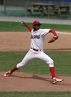 August 16, 2003:  Pitcher Julio DelaCruz of the Batavia Muckdogs, Class-A affiliate of the Philadelphia Phillies, during a NY-Penn League game at Dwyer Stadium in Batavia, NY.  Photo by:  Mike Janes/Four Seam Images
