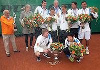 06-06-10, Tennis, Den Haag, Playoffs Eredivisie, Team Leimonias viert feest