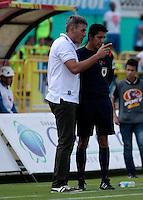NEIVA - COLOMBIA -22-02-2017: Jorge Vivaldo, técnico de Atletico Huila, durante partido entre Atletico Huila y Atletico Bucaramanga, por la fecha 5 de la Liga Aguila, I 2017 en el estadio Guillermo Plazas Alcid de Neiva. / Jorge Vivaldo, coach of Atletico Huila, during a match for the date 5 of the Liga Aguila I 2017 at the Guillermo Plazas Alcid Stadium in Neiva city. Photo: VizzorImage  / Sergio Reyes / Cont.