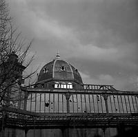 Le 4 Décembre 1963. Vue de la halle du marché des Carmes avant sa destruction.