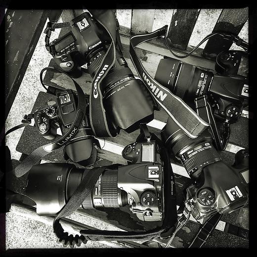 Sea Watch-2.<br /> Vorbereitung der Crew der Sea Watch-2 auf die 13. SAR-Mission vor der libyschen Kueste. Kameraequipement der Medienmenschen an Bord.<br /> 16.10.2016, Valetta/Malta<br /> Copyright: Christian-Ditsch.de<br /> [Inhaltsveraendernde Manipulation des Fotos nur nach ausdruecklicher Genehmigung des Fotografen. Vereinbarungen ueber Abtretung von Persoenlichkeitsrechten/Model Release der abgebildeten Person/Personen liegen nicht vor. NO MODEL RELEASE! Nur fuer Redaktionelle Zwecke. Don't publish without copyright Christian-Ditsch.de, Veroeffentlichung nur mit Fotografennennung, sowie gegen Honorar, MwSt. und Beleg. Konto: I N G - D i B a, IBAN DE58500105175400192269, BIC INGDDEFFXXX, Kontakt: post@christian-ditsch.de<br /> Bei der Bearbeitung der Dateiinformationen darf die Urheberkennzeichnung in den EXIF- und  IPTC-Daten nicht entfernt werden, diese sind in digitalen Medien nach §95c UrhG rechtlich geschuetzt. Der Urhebervermerk wird gemaess §13 UrhG verlangt.]