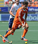 The Hague, Netherlands, June 13: Robbert Kemperman #12 of The Netherlands dribbles the ball during the field hockey semi-final match (Men) between The Netherlands and England on June 13, 2014 during the World Cup 2014 at Kyocera Stadium in The Hague, Netherlands. Final score 1-0 (1-0)  (Photo by Dirk Markgraf / www.265-images.com) *** Local caption ***
