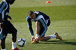 Madrid (11/03/10).-Entrenamiento del Real Madrid..Karim Benzema...© Alex Cid-Fuentes/ ALFAQUI..Madrid (11/03/10).-Training session of Real Madrid c.f..Karim Benzema...© Alex Cid-Fuentes/ ALFAQUI.