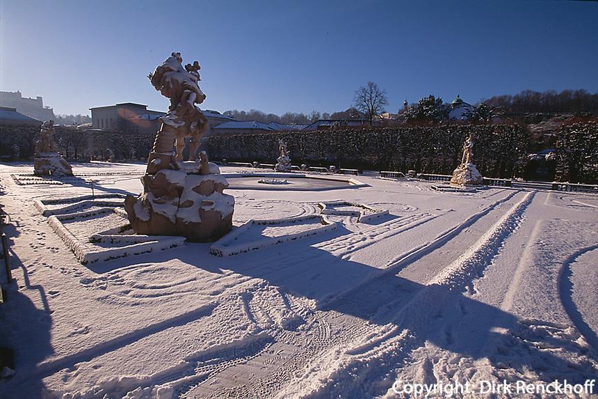 Österreich, Salzburg im Winter, Schloss Mirabell, Statue im Mirabellgarten, Unesco - Weltkulturerbe