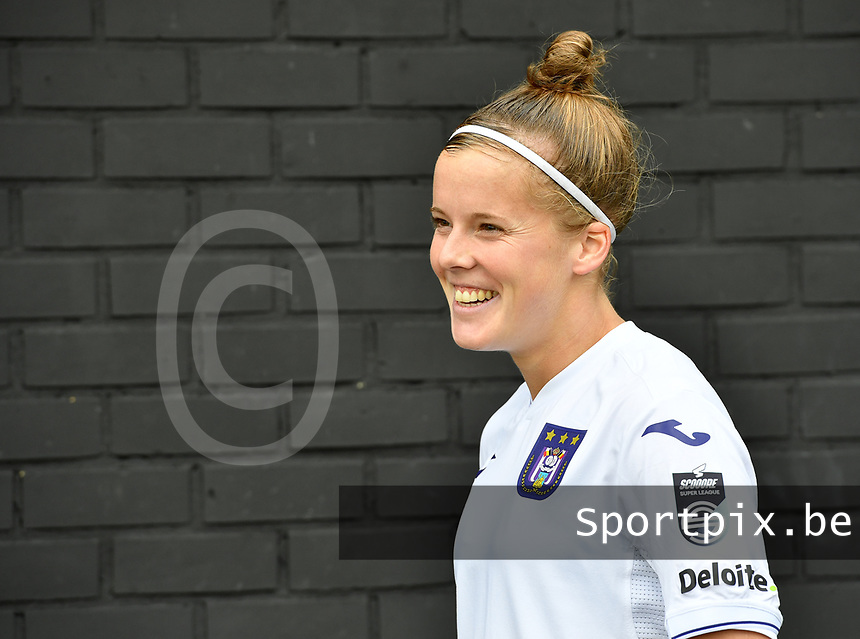 Laura Deloose (14 Anderlecht) pictured during a female soccer game between Club Brugge Dames YLA and RSC Anderlecht Ladies on the fifth matchday of the 2020 - 2021 season of Belgian Scooore Womens Super League , sunday 18 October 2020  in Brugge , Belgium . PHOTO SPORTPIX.BE | SPP | DAVID CATRY