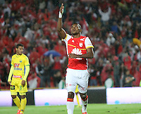 BOGOTA - COLOMBIA - 23-08-2015:Miguel Borja jugador de Independiente Santa Fe  celebra su gol contra  el Huila    durante partido  por la fecha 8 de la Liga Aguila II 2015 jugado en el estadio Nemesio Camacho El Campin. / Miguel Borjaplayer of Independiente Santa Fe  celebrates his goal against of Huila  during a match for the eight date of the Liga Aguila II 2015 played at Ne mesio Camacho El Campin stadium in Bogota  city. Photo: VizzorImage / Felipe Caicedo / Staff.