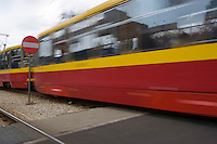 Europe/Pologne/Lodz: le tramway aux couleurs de la ville dessert la ville et ses banlieues