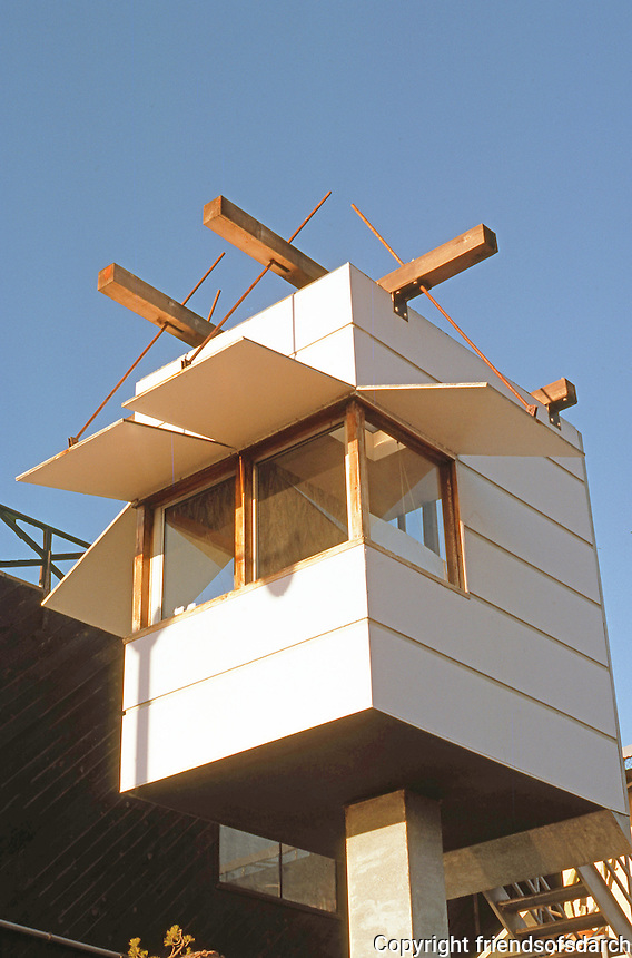Frank Gehry & Assoc.: Norton House--detail. Photo '86.