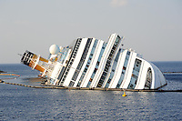 costa concordia photos high resolution, foto alta risoluzione costa concordia, panoramiche costa concordia