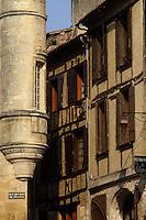 Europe/France/Aquitaine/24/Dordogne/Bergerac: Tour de la Maison Peyrarède - Musée du Tabac  et rue médiévale