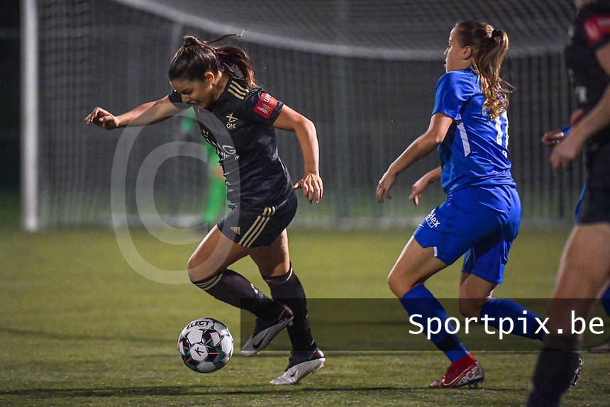 OHL's midfielder Luna Vanzeir (10) pictured during a female soccer game between  Racing Genk Ladies and Oud Heverlee Leuven on the fourth matchday of the 2020 - 2021 season of Belgian Scooore Womens Super League , friday 9 th of October 2020  in Genk , Belgium . PHOTO SPORTPIX.BE | SPP | STIJN AUDOOREN