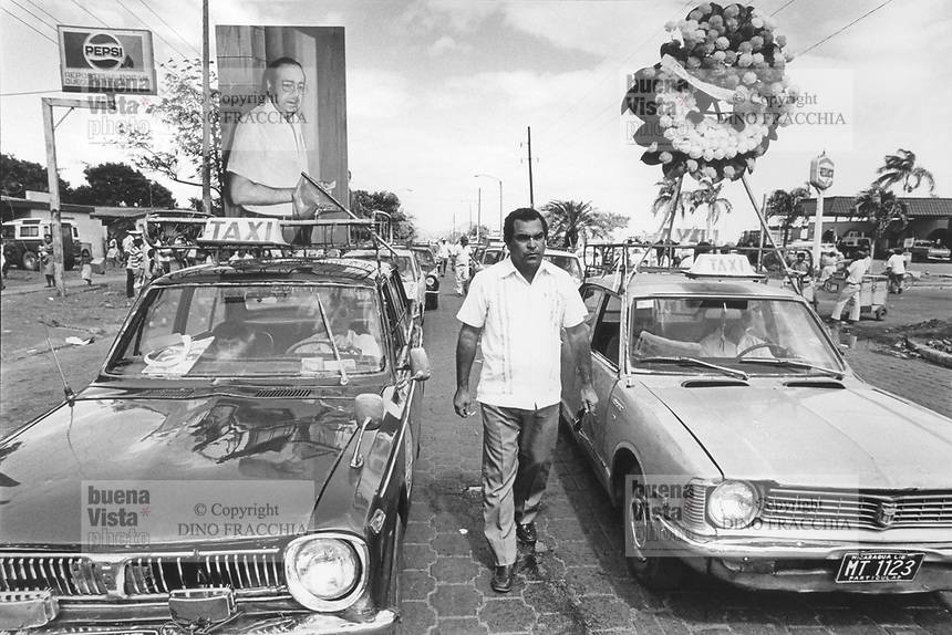 - Nicaragua, demonstration of the oppositions at 10 years after the killing of Pedro Chamorro (January 1988)<br /> <br /> - Nicaragua, manifestazione delle opposizioni a 10 anni dall'uccisione di Pedro Chamorro (Gennaio 1988)