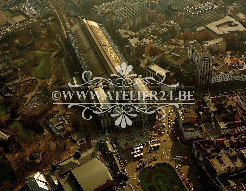 1993. Centraal station in Antwerpen aan het Astridplein.