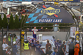 #11: Denny Hamlin, Joe Gibbs Racing, Toyota Camry FedEx Office in victory lane