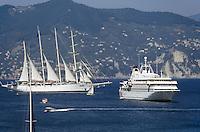 - Portofino (Genoa), pleasure crafts in the Gulf of the Tigullio....- Portofino (Genova), imbarcazioni da diporto nel Golfo del Tigullio