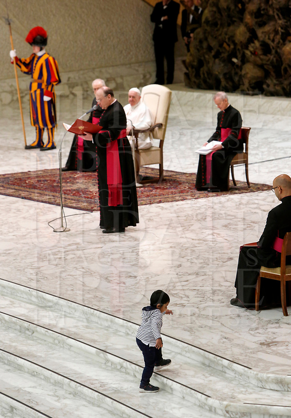 A child walks on the floor as Pope Francis attends his weekly general audience in the Paul VI hall at the Vatican, January 22, 2020.<br /> UPDATE IMAGES PRESS/Riccardo De Luca<br /> STRICTLY ONLY FOR EDITORIAL USE A child walks on the floor as Pope Francis attends his weekly general audience in the Paul VI hall at the Vatican, January 22, 2020.<br /> <br /> UPDATE IMAGES PRESS/Riccardo De Luca<br /> <br /> STRICTLY ONLY FOR EDITORIAL USE