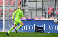 Essevee's goalkeeper Ianthe Meersschaert pictured during a female soccer game between Zulte Waregem and the KAA Gent Ladies on the fourth matchday of the 2020 - 2021 season of Belgian Scooore Womens Super League , saturday 10 October 2020  in Waregem , Belgium . PHOTO SPORTPIX.BE | SPP | DAVID CATRY