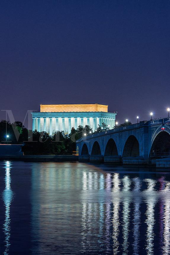 Lincoln Memorial and the Arlington Memorial Bridge at night, Washington D.C., USA