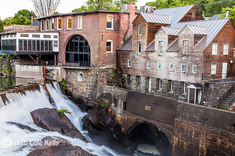 Falls on the Ottaquechee River in Quechee village, Hartford, VT, USA