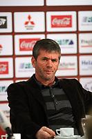 Eintracht Trainer Friedhelm Funkel<br /> Eintracht Frankfurt Vorstellung Caio<br /> *** Local Caption *** Foto ist honorarpflichtig! zzgl. gesetzl. MwSt. Auf Anfrage in hoeherer Qualitaet/Aufloesung. Belegexemplar an: Marc Schueler, Am Ziegelfalltor 4, 64625 Bensheim, Tel. +49 (0) 6251 86 96 134, www.gameday-mediaservices.de. Email: marc.schueler@gameday-mediaservices.de, Bankverbindung: Volksbank Bergstrasse, Kto.: 151297, BLZ: 50960101