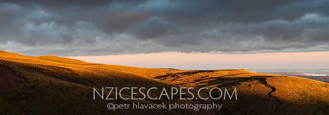 First light on volcanic fields under Mount Ruapehu, Tongariro National Park, Central Plateau, North Island, UNESCO World Heritage Area, New Zealand, NZ