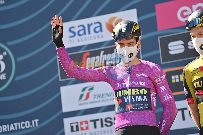 Maglia Ciclamino Wout Van Aert (BEL) Team Jumbo-Visma at sign on before the start of Stage 6 of Tirreno-Adriatico Eolo 2021, running 169km from Castelraimondo to Lido di Fermo, Italy. 15th March 2021. <br /> Photo: LaPresse/Gian Mattia D'Alberto | Cyclefile<br /> <br /> All photos usage must carry mandatory copyright credit (© Cyclefile | LaPresse/Gian Mattia D'Alberto)