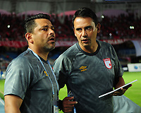 CALI-COLOMBIA , 28-02-2019.Gerardo Bedoya director técnico del Independiente Santa Fe ante el América de Cali durante partido por la fecha 7 de la Liga Águila I 2019 jugado en el estadio Pascual Guerrero de la ciudad de Cali./ Gerardo Bedoya coach  of Independiente Santa Fe agaisnt of America of Cali during the match for the date 7 of the Aguila League I 2019 played at Pascual Guerrero stadium in Cali city. Photo: VizzorImage/ Nelson Rios / Contribuidor