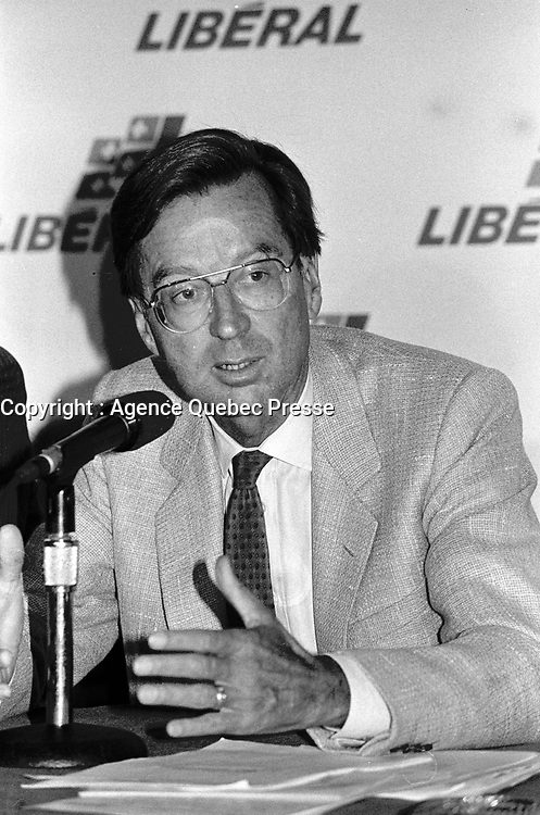 File Photo -  Quebec Premier Robert Bourassa news conference with  Ministers John Ciaccia and Gerald Tremblay in Montreal, August 14, 1989.<br /> <br /> <br /> <br />  Photo :  Agence Quebec Presse- Pierre Roussel