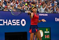 11th September 2021: Billie Jean King Tennis Centre, New York, USA; US Open Tennis, womens singles final. Emma Raducanu (GBR) returns as she beats Canada's Leylah Fernandez in 2 sets to win the title.