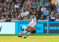 9th October 2021; Brentford Community Stadium, Brentford, London; Gallagher Premiership Rugby, London Irish versus Leicester Tigers; George Ford of Leicester Tigers scores with a conversion kick to lead 21-16