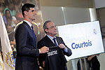 Real Madrid's new player Thibaut Courtois (l) with the President Florentino Perez during his official presentation. August 9, 2018. (ALTERPHOTOS/Acero)