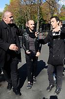CALOGERO devant le studio Gabriel pour enregistrement de Vivement Dimanche TF1 - 20/9/2017 Paris, France # ARRIVEES AU STUDIO GABRIEL POUR ENREGISTREMENT DE VIVEMENT DIMANCHE TF1