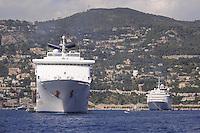 - France, French Riviera, cruise ships in the bay of Villefranche sur Mer<br /> <br /> - Francia, Costa Azzurra, navi da crociera nella baia di Villefranche sur Mer