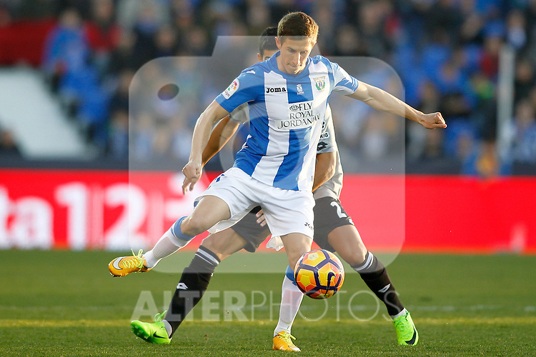 CD Leganes' Alexander Szymanowski (f) and Deportivo de la Coruna's Juanfran Moreno during La Liga match. February 25,2017. (ALTERPHOTOS/Acero)
