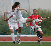MAR 15, 2006: Albufeira, Portugal:  Lili Bai, Unni Lehn