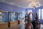 France, Provence-Alpes-Côte d'Azur, Grasse: at Perfume-Museum of Perfumery Fragonard   Frankreich, Provence-Alpes-Côte d'Azur, Grasse: im Parfuem-Museum der Parfumerie Fragonard