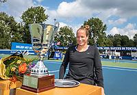 Amstelveen, Netherlands, 7 Augustus, 2021 National Tennis Center, NTC, NKR, National  Wheelchair Tennis Championships, Women's single final : Winner Jiske Griffioen (NED) gets her trophy<br /> Photo: Henk Koster/tennisimages.com
