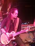 Jake e Lee performing live at Vamp'd in Las Vegas in 2012.