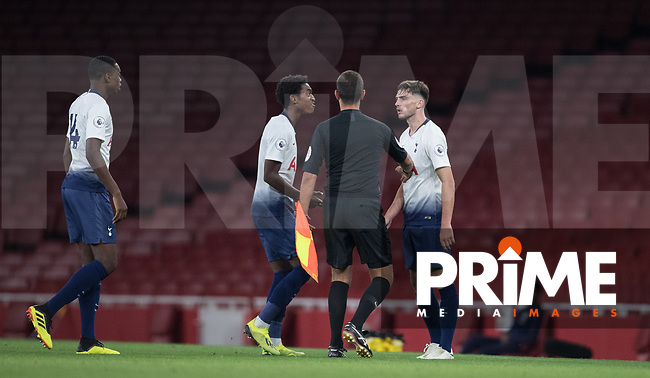 Spurs players turn on Troy Parrott of Tottenham Hotspur as he is sent off during the Premier League 2 match between Arsenal U23 and Tottenham Hotspur U23 at the Emirates Stadium, London, England on 31 August 2018. Photo by Andy Rowland.