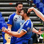21.11.2020, Zeppelin CAT Halle A1, Friedrichshafen, GER, DVL, VfB Friedrichshafen vs Berlin Recycling Volleys,<br /> im Bild Dejan Vincic (Friedrichshafen, #9), Nicolas Marechal (Friedrichshafen, #16)<br /> <br /> Foto © nordphoto / Hafner