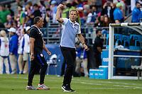 Seattle, WA - Thursday, June 16, 2016: United States head coach Jürgen Klinsmann pumps up the fans during a Quarterfinal match of the 2016 Copa America Centenrio at CenturyLink Field.
