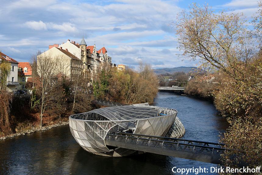 Murinsel in Graz, Steiermark, Österreich<br />  island in the Mur, Graz, Styria, Austria