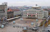Stadtansichten 2009 - Luftaufnahme Augustusplatz aus 11. Etage des Europahaus - Blick auf Augustusplatz, Krochhochhaus (li.) und Oper (re.) . Foto: Norman Rembarz..Norman Rembarz , ( ASV-Autorennummer 41043728 ), Holbeinstr. 14, 04229 Leipzig, Tel.: 01794887569, Hypovereinsbank: BLZ: 86020086, KN: 357889472, St.Nr.: 231/261/06432 - Jegliche kommerzielle Nutzung ist honorar- und mehrwertsteuerpflichtig! Persönlichkeitsrechte sind zu wahren. Es wird keine Haftung übernommen bei Verletzung von Rechten Dritter. Autoren-Nennung gem. §13 UrhGes. wird verlangt. Weitergabe an Dritte nur nach  vorheriger Absprache..