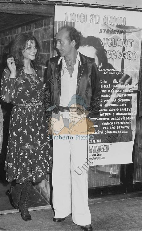DADO  RUSPOLI CON TINA AUMONT<br /> FESTA PER I 30 ANNI DI HELMUT BERGER JACKIE O' ROMA 1974