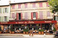 Le Bistrot des Alpilles restaurant. Empty of people. Saint Remy Rémy de Provence, Bouches du Rhone, France, Europe