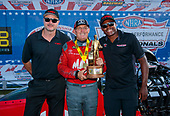 top fuel, Doug Kalitta, Mac Tools, victory, celebration, trophy, Toyota, staff