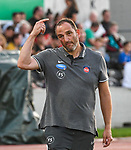 10.08.2019, Donaustadion, Ulm, GER, DFB Pokal, SSV Ulm 1846 Fussball vs 1. FC Heidenheim, <br /> DFL REGULATIONS PROHIBIT ANY USE OF PHOTOGRAPHS AS IMAGE SEQUENCES AND/OR QUASI-VIDEO, <br /> im Bild Frank Schmidt (Heidenheim) gestikuliert am Spielfeldrand<br /> <br /> Foto © nordphoto / Hafner