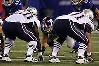 DT Markus Kuhn (Giants) gegen G Warren Jeremiah und T Dustin Waldron (Patriots)